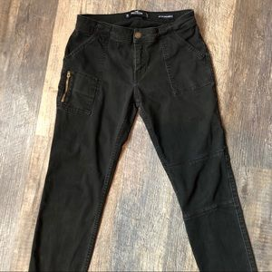 Hollister low rise cropped jean/pant size 3/26